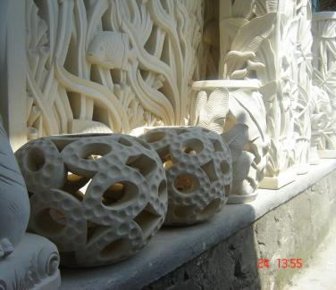 ✅ Stone Garden Lantern Sculptures