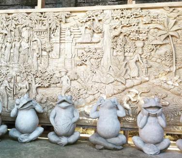 Bali Frog Stone Carving