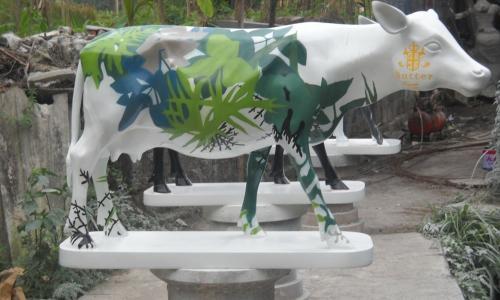 FIBER & CEMENT STATUE COW