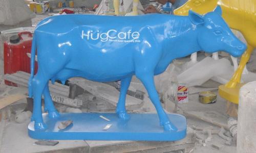 FIBER & CEMENT STATUE BLUE COW
