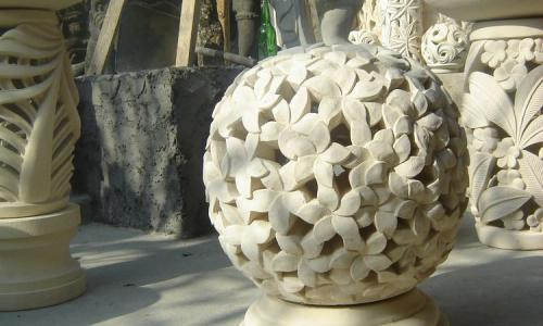 Stone Garden Lantern Sculptures