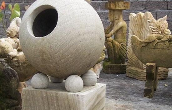 Balinese Stone Garden Lanterns